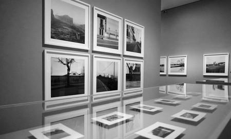 'En el tiempo', una reflexión sobre el paisaje urbano de la periferia a través de las poéticas fotografías de Carlos Cánovas