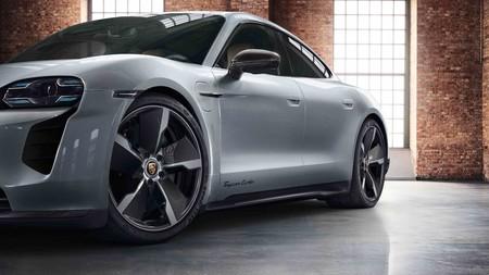 Desde madera en el interior hasta colores exóticos para el nuevo Porsche Taycan, así el abanico de opciones