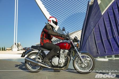 Honda CB1100, prueba (conducción en ciudad y carretera)