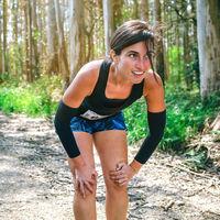 Para recuperarte mejor durante tu entrenamiento HIIT, coloca las manos sobre tus rodillas: la ciencia lo avala