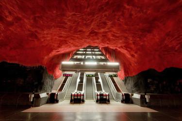 La impresionante decoración del metro de Estocolmo