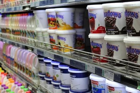 Yogurts que contienen más azúcar que un refresco, según informe de Profeco