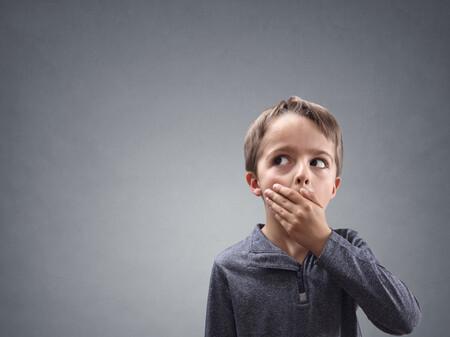 Halitosis infantil: por qué mi hijo tiene mal aliento y qué hacer para solucionarlo