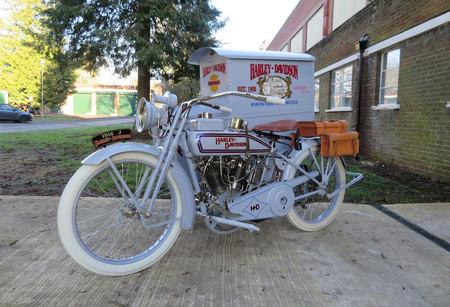 Esta Harley-Davidson hizo de soporte publicitario en la I Guerra Mundial y ahora se subasta desde 30.000 euros