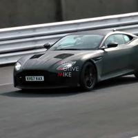 Ya puedes ver y oír al Aston Martin DBS Superleggera porque lo han cazado de pruebas en Nürburgring