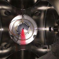 Se mide con precisión el tiempo que tarda el electrón en abandonar el átomo