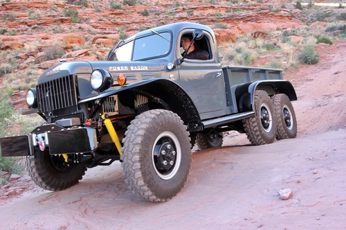 Dodge WC-63 Power Wagon 6x6, el todoterreno militar civilizado que volvió de la Segunda Guerra Mundial