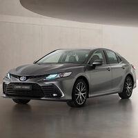 El nuevo Toyota Camry llega a España: la berlina híbrida, que mantiene sus 218 CV y la etiqueta ECO, ya tiene precio