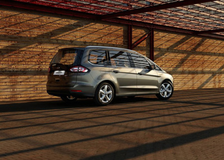 Ford Galaxy 2016 800x600 Wallpaper 08