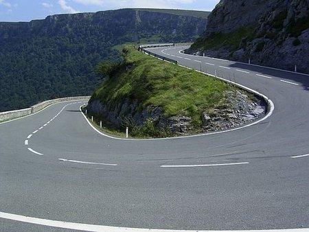 ¿Por qué cuesta tanto lidiar con los ciclistas de carretera? (I)