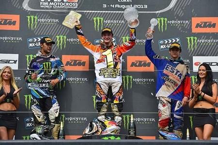 mx2_podium_loket
