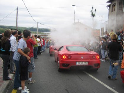 Concentración Ferrari en Suances