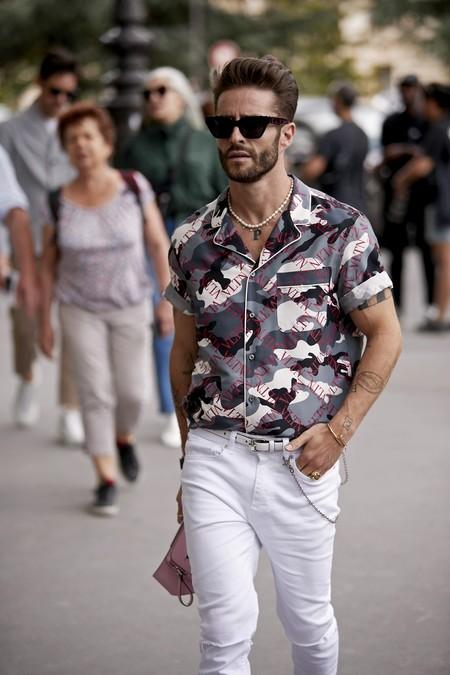Tendencias masculinas para este verano 2019: qué llevar estos meses para ir a la moda