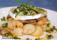 Ñoquis con champiñones al Calvados y pesto de frutos secos