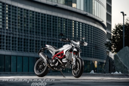 Ducati Hypermotard 939 017