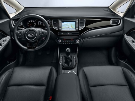 Kia Carens 2013, vista interior