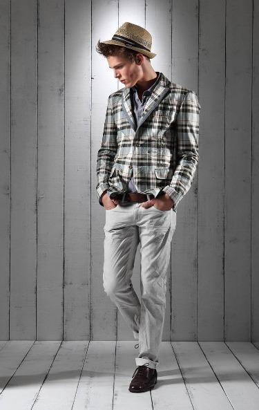 Foto de Lookbook primaveral: Love Moschino Men Primavera-Verano 2011 (10/23)