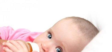 Los niños menores de un año no deberían beber zumos, recomiendan los pediatras