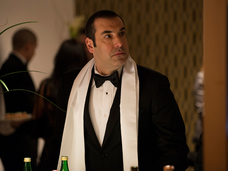 Louis Litt Smoking