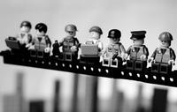 Mike Stimpson ha recreado fotografías históricas con... ¡figuras de Lego!