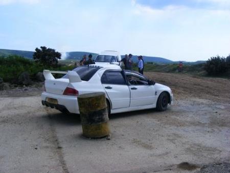 Top Gear destroza un Mitsubishi EVO VII