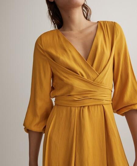 11 vestidos veraniegos que son tendencia pura este verano y hemos encontrado en Oysho