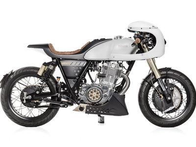 Ágil y rápida son los apellidos de esta Yamaha SR400 cafe racer que nos llega desde Portugal