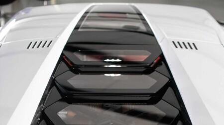 Lamborghini Countach Lpi 800 4 11