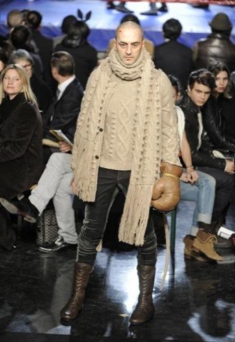 Jean Paul Gaultier, Otoño-Invierno 2010/2011 en la Semana de la Moda de París. Punto
