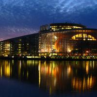 La UE planea crear un nuevo regulador para que supervise a Google, Facebook y otras tecnológicas