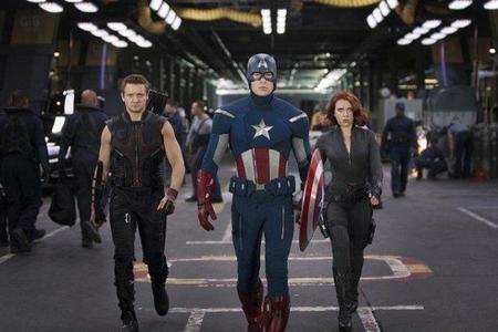 Ojo de Halcón, Capitán América y Viuda Negra en