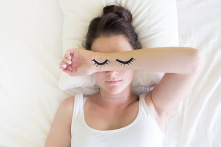 dormir-sudor-nocturno-sudoración