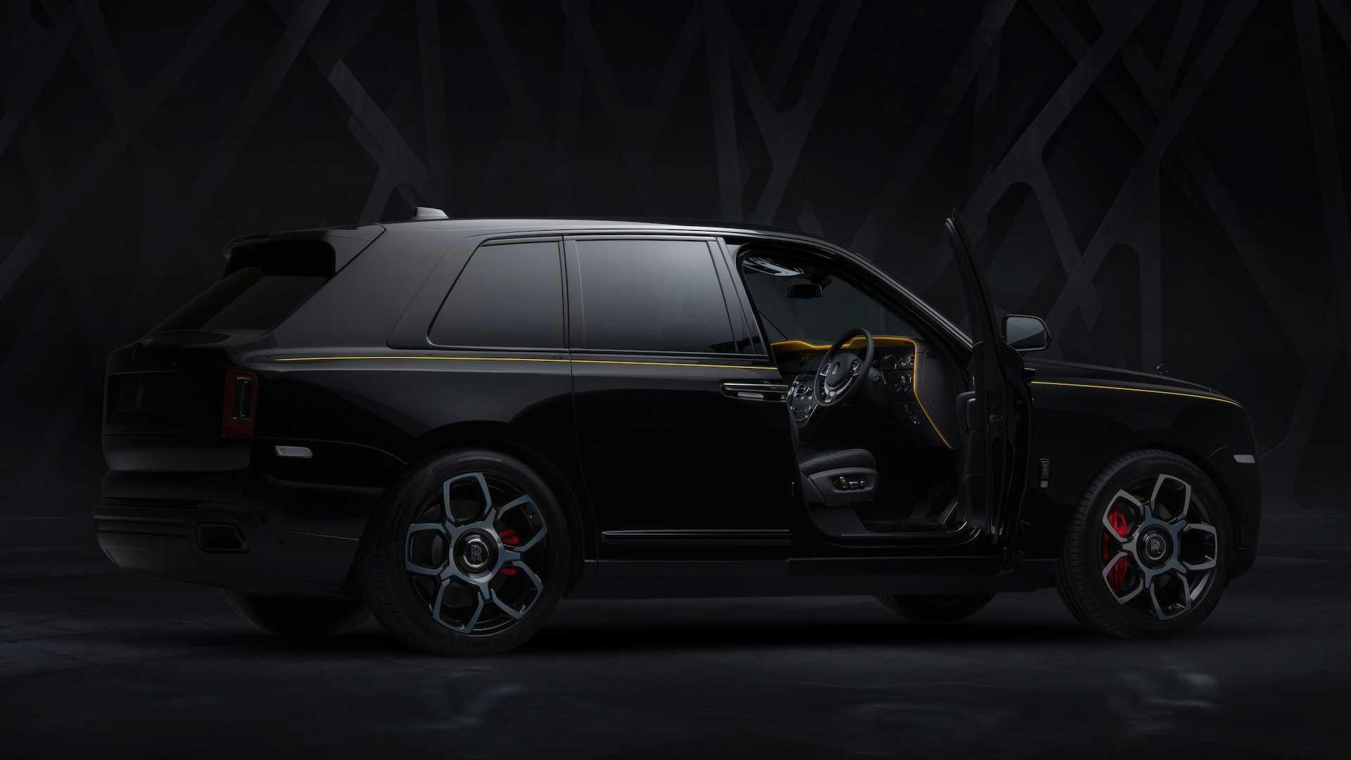 Foto de Rolls-Royce Cullinan Black Badge (23/26)