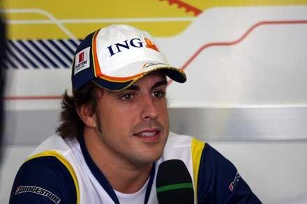 Alonso anunciará el miércoles que sigue en Renault
