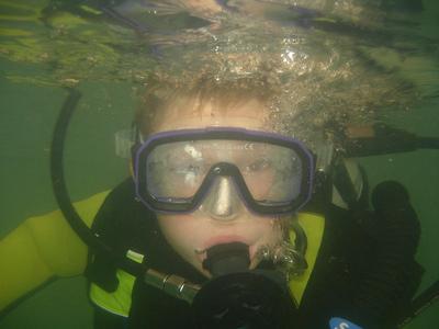 La difícil combinación entre niños y práctica del buceo
