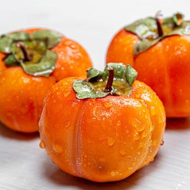 Caqui, kaki o persimón, la olvidada fruta otoñal que también merece un hueco en la cocina: así puedes sacarle partido
