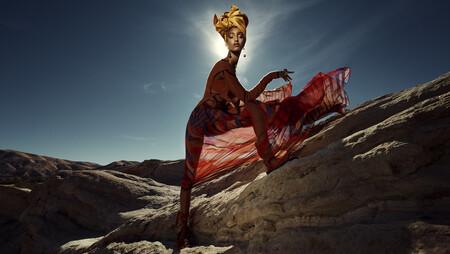 Zara presenta la campaña Primavera-Verano 2021 fotografiada por Steven Meisel donde la elegancia extrema se viste de prendas vaporosas
