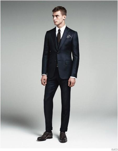 gucci-mens-tailoring-suit-collection-clement-chabernaud-008-800x1023-1.jpg