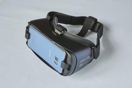 El nuevo Samsung Gear VR amplía su campo de visión y se viste de negro
