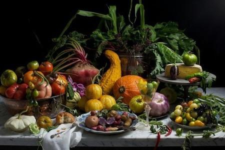 Descubre los elegantes bodegones con alimentos de la fotógrafa Paulette Tavormina