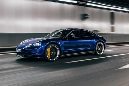 Probamos el Porsche Taycan Turbo S: una bestia de coche eléctrico con 761 CV que nos sitúa en una nueva realidad