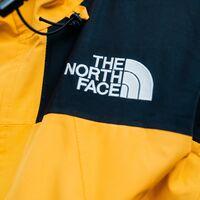 The North Face con un 50% de descuento en El Corte Inglés: sudaderas, camisetas, abrigos y más a mitad de precio