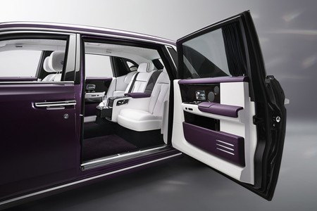 Rolls Royce Phantom 19