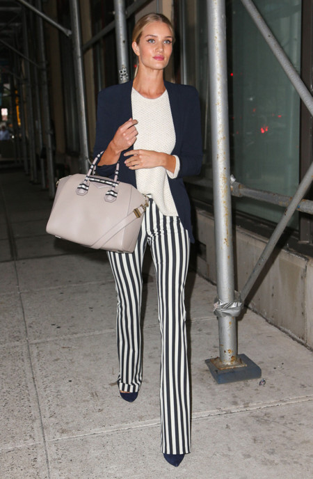 Rosie Huntington Whiteley look calle blazer