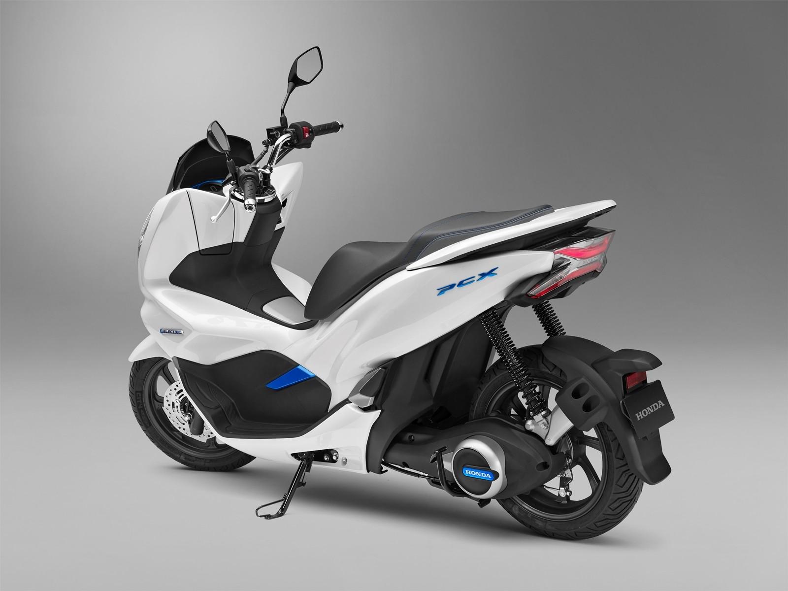 Honda PCX Electric y Honda PCX Hybrid