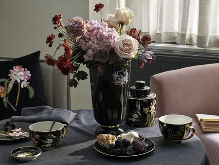 El universo botánico de la artista Mary Delany en casa gracias con la colaboración de H&M Home con el Museo Británico de Londres