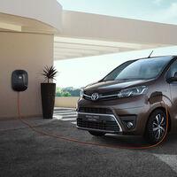 La Toyota Proace Verso Electric es una nueva furgoneta cero emisiones de hasta 9 plazas. Y ya tiene precio en España