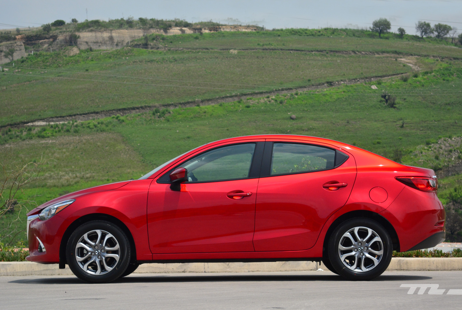 Foto de Mazda 2 Sedán (prueba) (3/17)