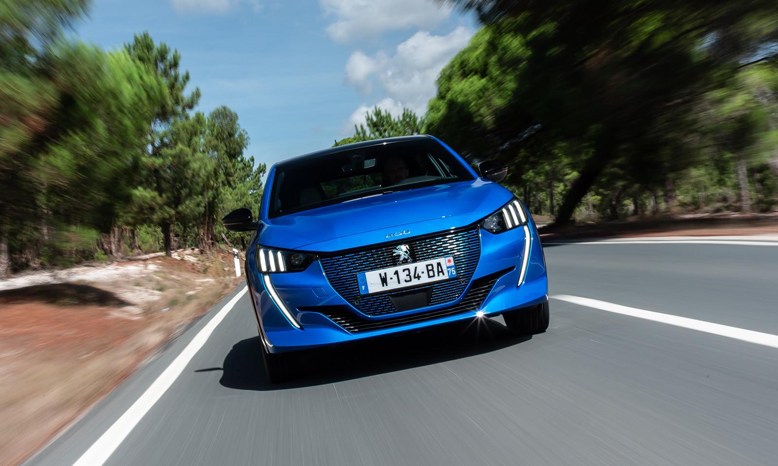Foto de Peugeot e-208 2020 (14/24)