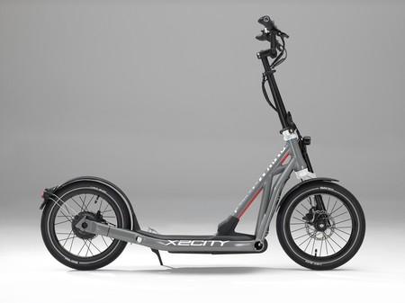 BMW tiene un patinete eléctrico 'de alta gama': se llama X2City y cuesta 2.400 euros